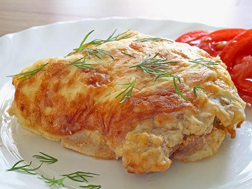Мясо под сырной шапкой в духовке рецепт