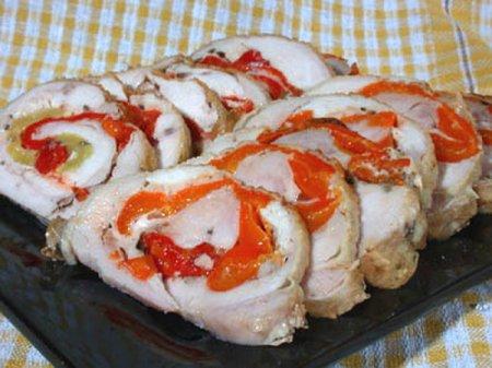 Рецепт Куриные рулетики в духовке с беконом и сыром
