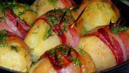 Рецепт Картофель запеченный в беконе