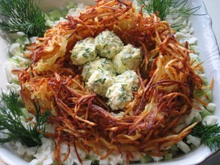 """Рецепт Готовим салат """"Глухариное гнездо""""."""