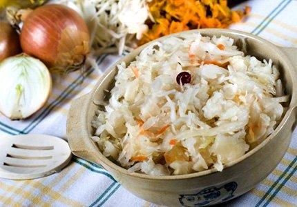 Рецепт Домашняя заготовка капусты с орехами