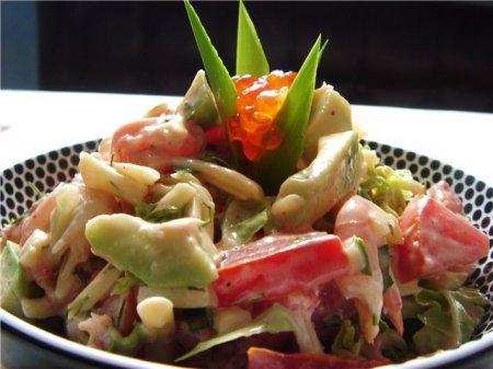 Рецепт Картофельный салат с яблоками и копченой скумбрией