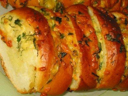 Рецепт Батон с сыром и чесноком