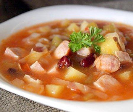 Готовим колбасный суп