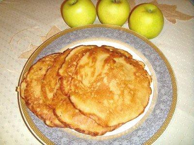 Рецепт Как приготовить яблочные блинчики
