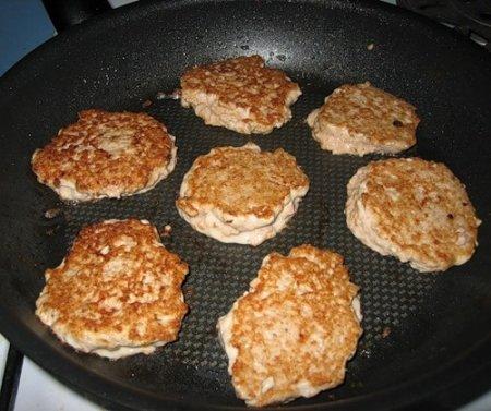 Рецепт Как приготовить оладьи из грибов и риса