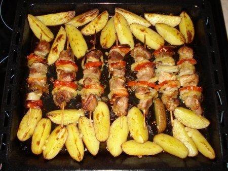 Рецепт Готовим куриный шашлык с картофелем