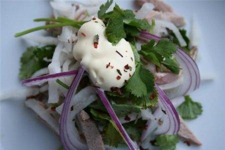 Рецепт Салат из говядины и редьки