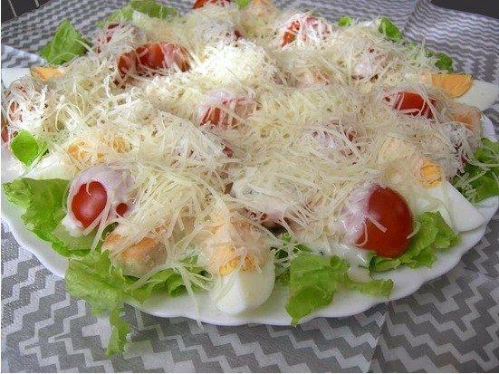Как красива украсить салат греческий