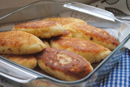 Картофельные зразы с сырной начинкой
