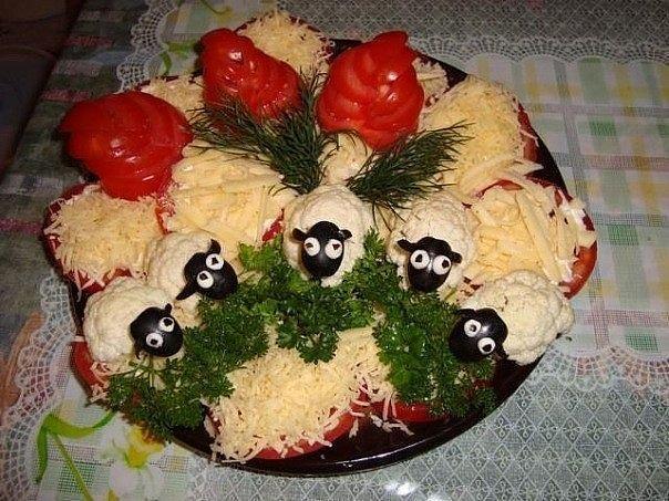 Оформление салатов фото украшение салатов часы.