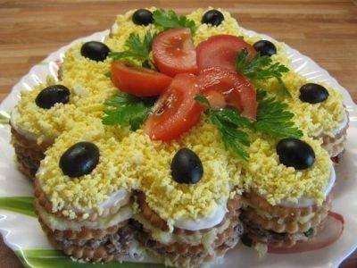 Рецепт Салат - торт из крекеров