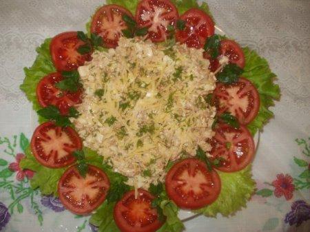 Рецепт Салат с креветками и курицей
