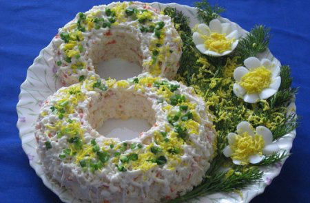 Салат из крабовых палочек к 8 марта