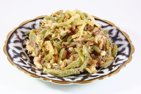 "Салат столичный а-ля ""Ташкент"""
