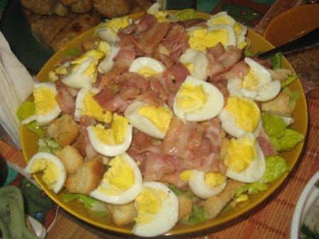 Рецепт Салат с беконом и авокадо