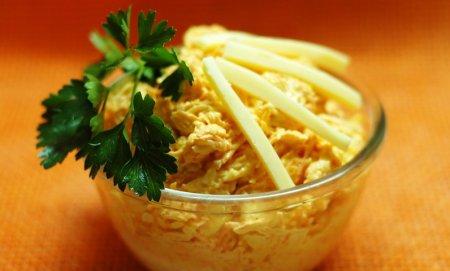 Рецепт Салат из моркови и сыра