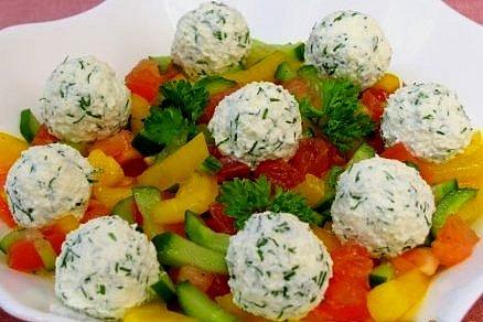 Рецепт Салат с шариками из брынзы