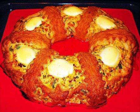 Рецепт Закусочный куриный торт-паштет «Рождественское кольцо»