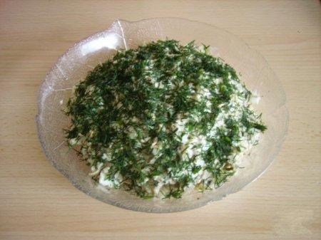 Рецепт Салат из консервы с сыром