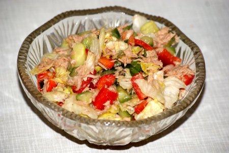 Рецепт Овощной салат с тунцом