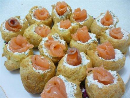Рецепт Профитроли праздничные с красной рыбой