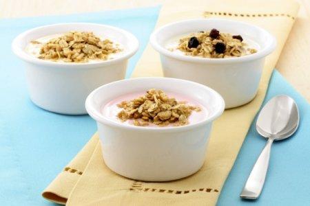 Рецепт Гранола с йогуртом