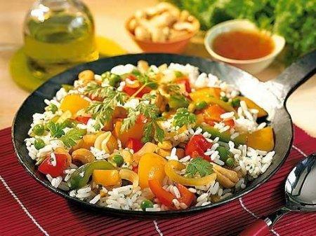 Рецепт Рис с болгарским перцем под соусом чили