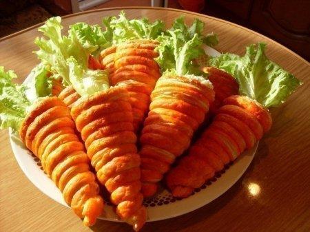 """Рецепт Оригинальная закуска из слоеного теста """"Морковь"""""""