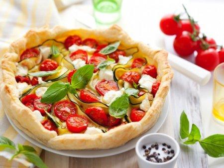 Рецепт Киш Лорен (Лоранский пирог) с томатами, базиликом и сыром