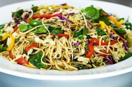 Рецепт Салат из пекинской капусты с лапшой быстрого приготовления