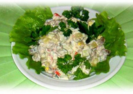 Рецепт Салат из мяса индейки с овощами и яблоками