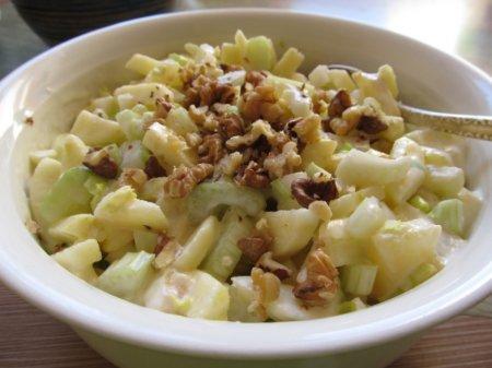 Рецепт Салат из сельдерея с ананасами