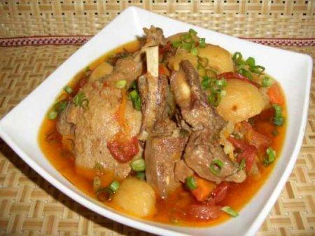 Рецепт Рагу с бараниной и окорочками утки, с вялеными томатными чипсами