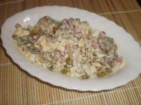 Рецепт Салат с мясом кролика