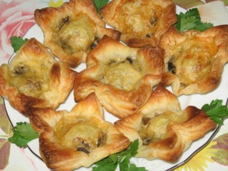 Рецепт Лукошки с мясом и грибами