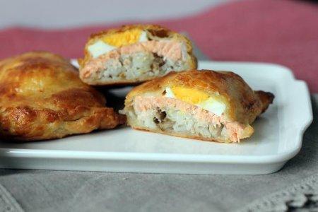 Рецепт Мини-кулебяки с лососем по-французски
