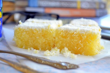 Рецепт Пирожные манные с кокосовой стружкой