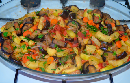 Рецепт Баклажаны - соте-по молдавски
