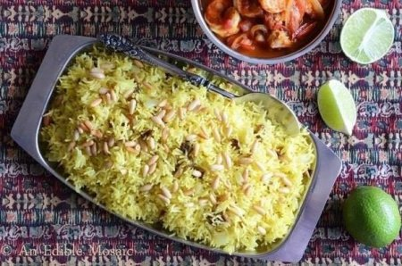 Рецепт Шафрановый рис с изюмом и кедровыми орешками