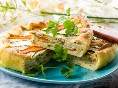 Рецепт Летний пирог с кабачками, болгарским перцем и яично-сырной заливкой