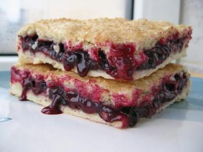 Рецепт Постный пирог с черной смородиной