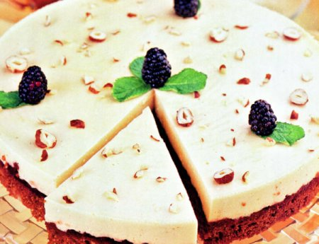Рецепт Гречневый торт с ежевичным джемом