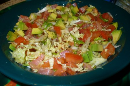 Рецепт Салат с авокадо и семгой