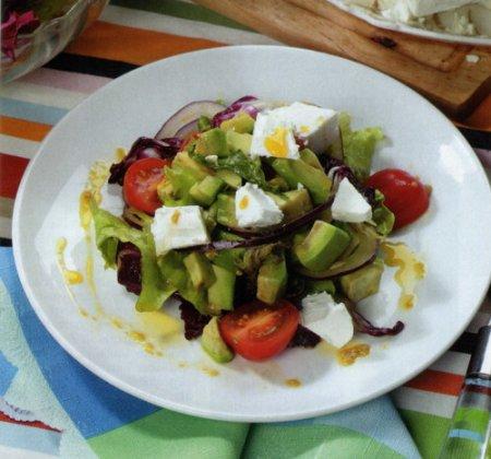 Рецепт Салат с авокадо и сыром