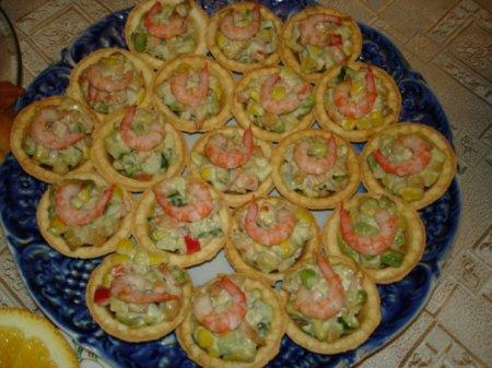 Рецепт Тарталетки с салатом и креветками