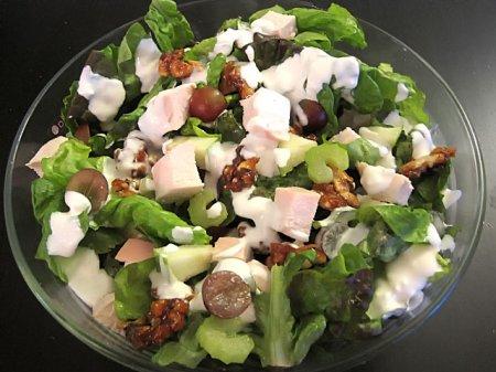 Рецепт Салат с сельдереем, сыром и виноградом