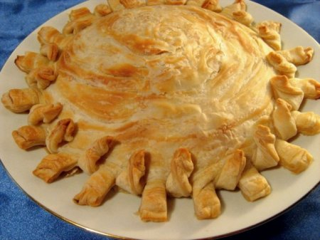 Рецепт Слоеный пирог с сыром и зеленью