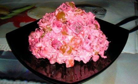 """Рецепт Салат """"Жизнь в розовом цвете"""""""