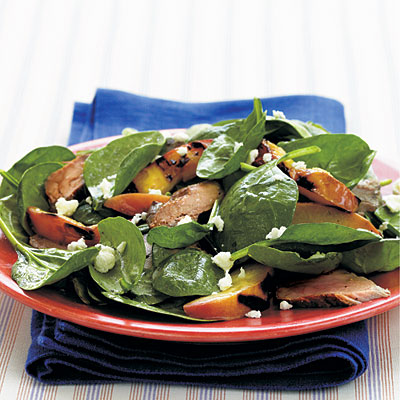 Рецепт Салат из шпината, жареной свиной вырезки и нектаринов